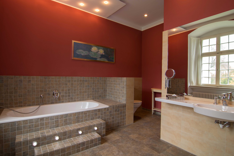 Badewanne für entspannende Schaumbäder, nur in der Fürstensuite