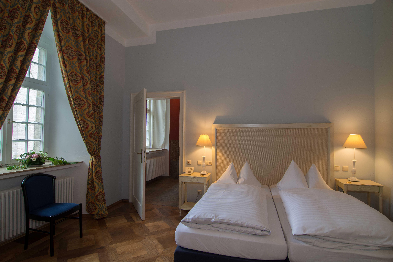 komfortables Doppelbett in der Fürstensuite
